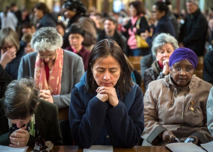 web-church-woman-praying-face-mazur-catholicnews-org-uk-1